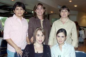 <b>15 de octubre de 2005</b><p> Yola de Robles, Susana de Ortega, Luz de Martínez, Vero de Murillo y Vivi de Barrera.