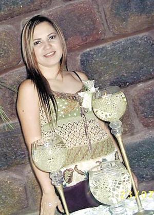 <B>15 de octubre de 2005</b><p> Leidy Valenzuela contraerá nupcias en Los Mochis, Sinaloa con Antonio Villanueva, y por ello fue despedida de su vida de soltera.