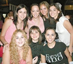 Karla Rubio, María Idalia Chapa, Rossana García, Flavia Andino, Katia Niño de Rivera, Ileana Villa y Cecy de la O.