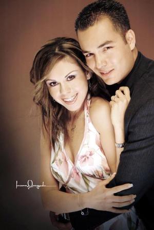 <b>15 de octubre 2005</b><p> Teresa Ruiz Estrada e Ignacio de Alba Pérez.