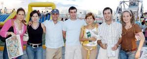 Laura Cadena, Susana González, Javier Lechuga, Alberto Villarreal, Sandra González, Fer Carzo y Marcela Gutiérrez.