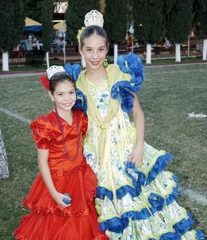 Mari Pili y Aurora Jiménez.