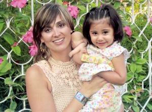 Regina Cantú Siller celebró su segundo cumpleaños y su mamá Marcela Siller, la festejó con una divertida reunión.