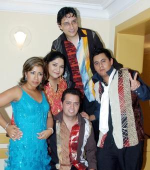 Los integrantes de Voz en Punto, antes de iniciar el concierto.