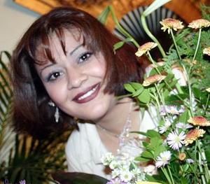 Claudia Elena Agüero Arreola disfrutó de su despedida de soltera.