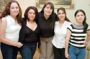 Brenda García, Sandra Tovar, Jaqueline Ramos, Bárbara Díaz y Margarita Andrade.