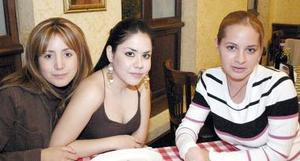 Claudia Reyes, Azucena Alvarado y Tania Hernández.