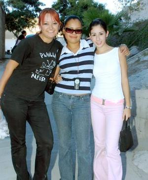Lorena Robles, Daniela Velázquez y Claudia Gómez, captadas recientemente.