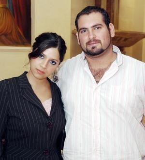 Luis Carlos Arreola y Maryfer Iza.