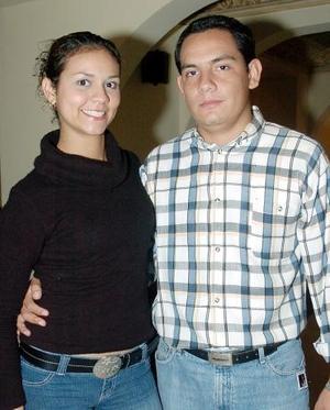 <b>16 de octubre 2005</b><p> Yéssica y Armando.