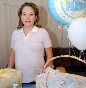 Lisette de Sotomayor espera el nacimiento de su primer bebé.