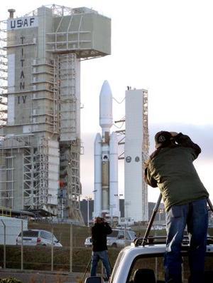 El cohete Titan IV B fue lanzado el 19 de octubre  desde  la base aérea de Vandenberg, California.