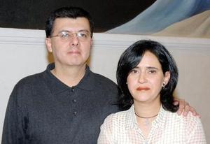 Ricardo Muñoz y Liliana de Muñoz.