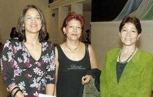 <b>17 de octubre de 2005</b><p> Sonia Rodríguez, Gabriela Juárez y Ana  Luisa Partida.