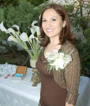 Por su futura  boda con Ricardo Berumen de la Torre, Enith Barrales García, fue despedida de su soltería.