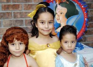 Con una bonita fiesta, las pequeñas María Isabel, María Alicia y Marijose Ojega González celebraron sus cumpleaños en  días pasados.