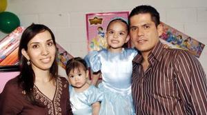 Regina y Sofía Castellanos Magaña disfrutaron de una bonita fiesta con motivo de sus cumpleaños, que les organizaron sus papás.
