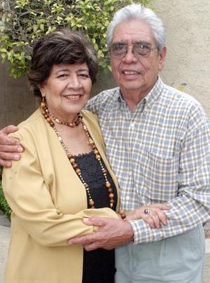 María Teresa y Antonio Luna.