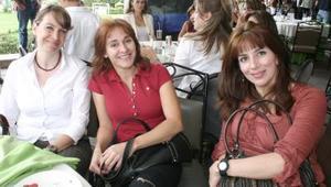 Maribel de Murra, Alejandra Barrera y Marcela Estens.