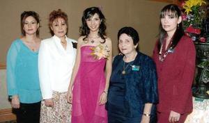 <B>19 de octubre de 2005</b><p> La feliz festejada en compañía de Roselina Rodríguez Castillo, Rosalinda Castillo de Rodríguez, Dora Guerra de Novelo y Mary Carmen Novelo de Casas.