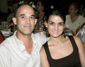 Arturo Martínez y María del Pilar de Martínez.