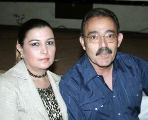 Liliana R. de García y Eduardo García Garza.