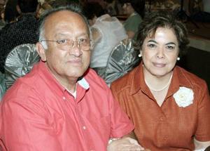 <b>21 de octubre de 2005</b><p> Víctor M. Ruelas y Carolina V. de Ruelas.