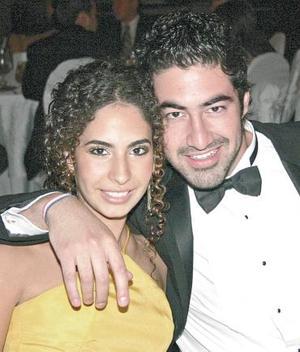 Valeria Escamilla y Ricardo Bazán.