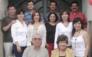 María Teresa Prieto de Luna festejó su cumpleaños acompañada de su esposo, Antonio Luna y sus hijos e hijos políticos.