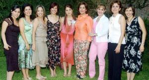 Ana Carolina Madero Vera disfrutó de una fiesta de despedida que le organizaron Esperanza Vela, María Eugenia Vela, Ana Aranda, Ceecilia Menéndez y Angelines González.