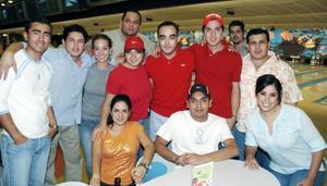 <B>21 de octubre 2005</b><p> José Luis Ramírez, Nacho Chávez, Sandra Villegas, Rodolfo Haces, Andrés Morales, César Chávez, Ale Castro, Carolina Hernández, Mónica Martínez, José Mesta y Gustavo Mares.