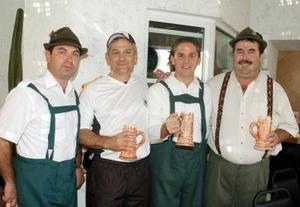 Adolfo Sesma, Miguel Herrera y Juan Sauza.