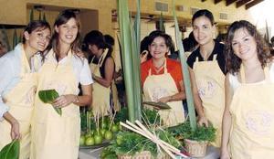 Claudia de Villarreal, Daniela del Río, Lucy López de Murra, Cristy de Ortega y Odila García de Ollivier.