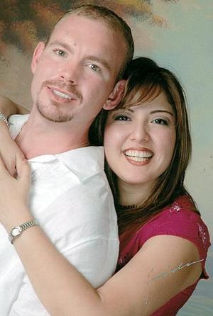 <b>22 de octubre 2005</b><p>  Spencer Harris y Denise Reyes Tostado.