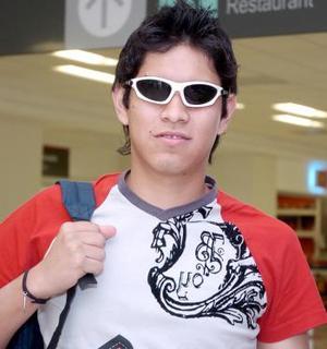 José Carlos Torres viajó hacia los Ángeles.