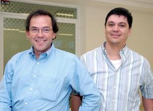 <b>22  de octubre 2005</b><p>  Alberto Campos y Javier Ávila viajaron al DF.