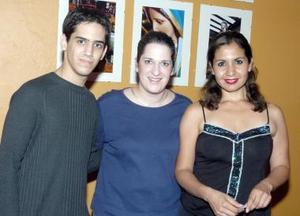 José Fernando Aragón, Sandra Gancz y Adela Murillo.
