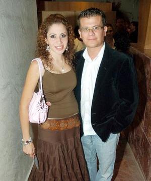 Ricardo Rodríguez y Gabriela Monárrez.