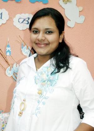 Blanca Nayeli Cruz de Ortega, captada en la fiesta de canastilla que le ofrecieron por el futuro nacimiento de su bebé