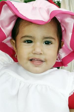 La pequeña Denise Karime López Soto celebró su primer cumpleaños, con una bonita fiesta hace unos días.
