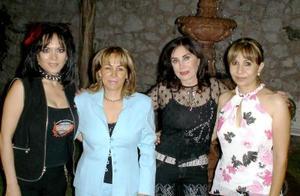 Brenda Monárrez, Gabriela Sologaistoa, Martha Orduña y María de Jesús Machado, en pasada reunión entre amigas