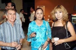 Adolfo Meraz, Rosario Puentes y Dora Alicia Pulido