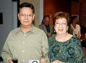 Carolina y Carlos Obregón.