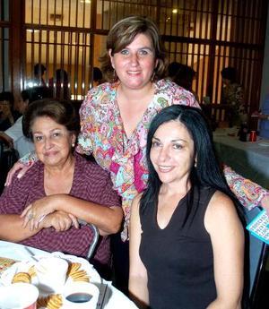 Dora Jaik de Juárez, Sara de Juárez y Dely Calleja