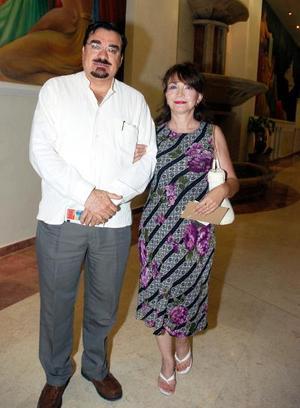 Eduardo Iduñate y Frida Iduñate.