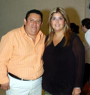 'Flippy' Nevárez y Yadira de Nevárez.