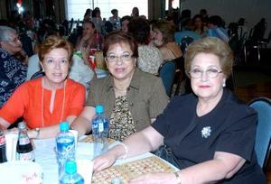Herminia de Hurtado, Elvia de Martínez y Rosa María de Vega..