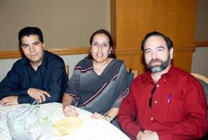 José Luis López, Luz María Amador y Adrián Herrera.