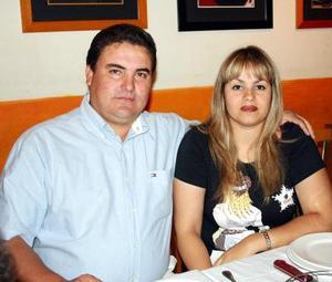 Roberto Hamdam Huereca y Marita Barraza de Hamdan.