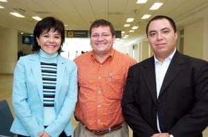 Alejandra Consuelo, Sergio Barragán y Alberto Labra viajaron a México.